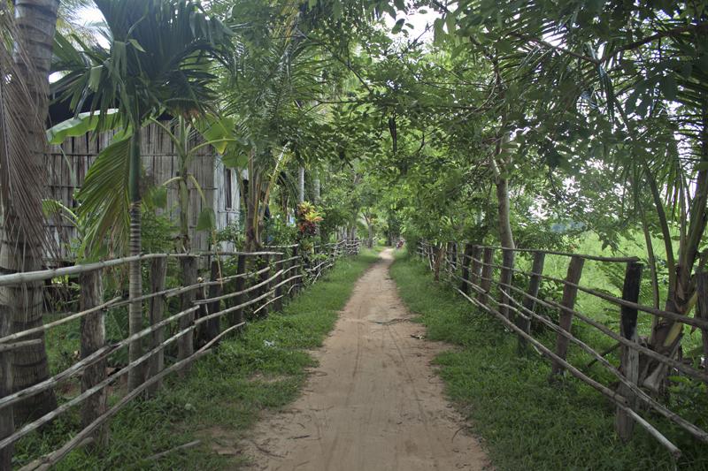 dondet-main-road