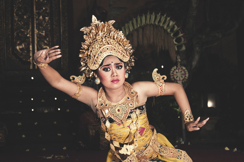legong-dancer