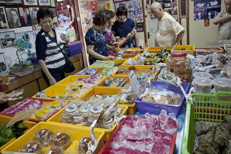 Vegan and Vegetarian Food Guide to Malacca - Baba Charlie Nonya Cakes