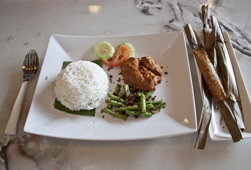 Vegan and Vegetarian Food Guide to Malacca - Ye Su Lin