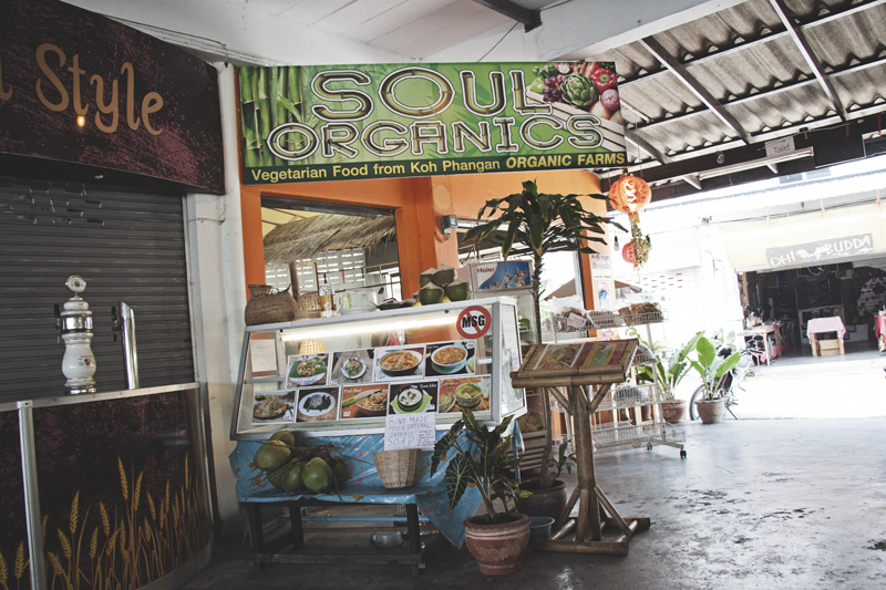 Vegan food guide of Koh Phangan, Thailand. Soul ORganics, Panthip Market.