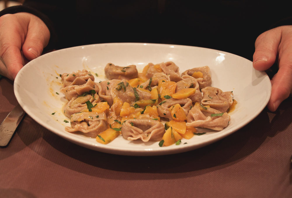 clorofilla vegan restaurant bologna italy