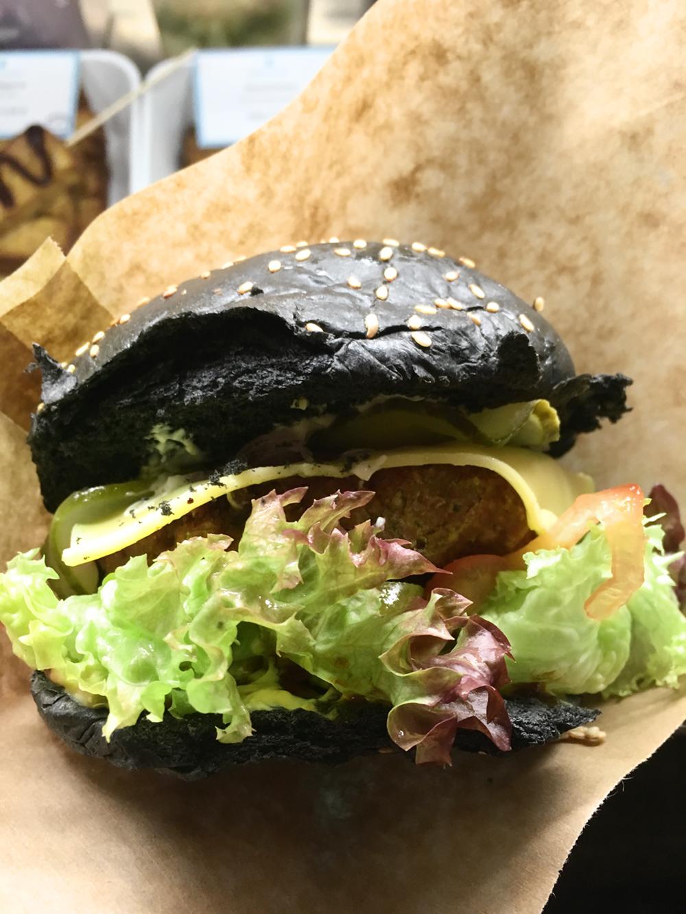 tofu tussi vegan burger berlin