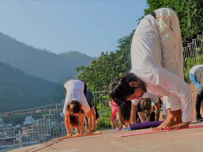 silent retreat in india